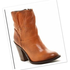 Steve Madden Wood Stacked leather Ankle Boots 8.5